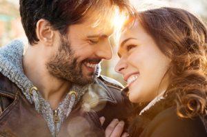glückliche Eheleute
