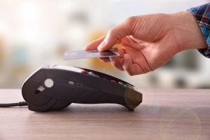 Kontaktlos per Kreditkarte bezahlen