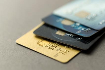 mehr als zwei Kreditkarten